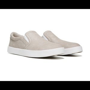 Dr. Scholl's Madison Slip on simple taupe rept 6.5